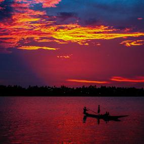 Last light... by Mahul Mukherjee - Landscapes Sunsets & Sunrises ( colour, clouds, sky, boat, dusk, people, river )