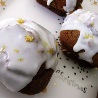 Gingerbread Cupcakes with Lemon Frosting Recipe