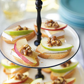 Apple and Brie Toasts.