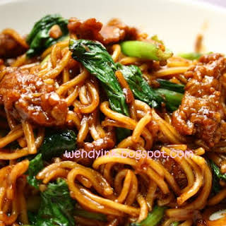 Fried Beef Noodles 炒牛肉面.