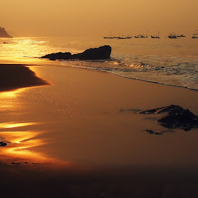 Wanci Isuk Sisi Laut by Dedi Sukardi - Landscapes Sunsets & Sunrises ( cibangban, indonesia, west java, sunrise, beach, landscape )
