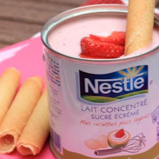 Super Fast Cream with Condensed Milk and Strawberries.