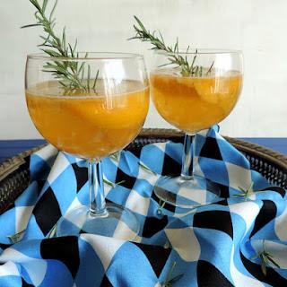 Rosemary Peach Sparkling Cocktail.