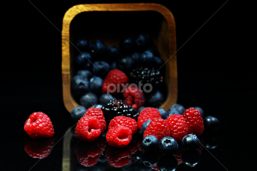 by Dipali S - Food & Drink Fruits & Vegetables ( raw, blueberry, no, leaf, people, photography, crop, colour, of, berry, bilberry, nature, fresh, lifestyle, antioxidant, vegetarian, objects, closeup, dessert, bowl, superfood, fruit, raspberry, c, green, fruits, vegetables, huckleberry, health, snack, and, nutrition, organic, sweet, blue, food, horizontal, ripe, healthy, eating, freshness, group, vitamin )