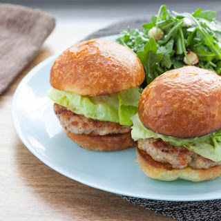 Turkey Burger Sliders with Brioche Buns & Toasted Hazelnut and Arugula Salad