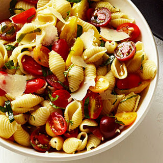 Seashells with Basil, Tomatoes, and Garlic