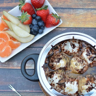 Quick and Easy S'mores Chocolate Fondue