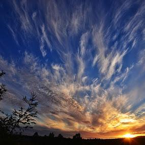 ......... by Hilde Lorgen - Landscapes Sunsets & Sunrises ( sunsetsnipers )