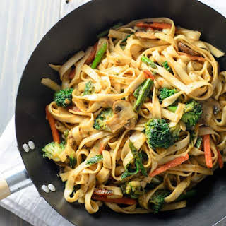 Lo Mein Noodles.