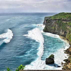 Ulu Watu  by Hendra Edi Saputra - Landscapes Waterscapes