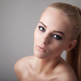 Kristina by Mindaugas Navickas - People Portraits of Women ( studio, mindaugas navickas, woman, beauty, portrait, fotomindo,  )