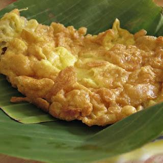 Thai-Style Omelet (Khai Jiao).
