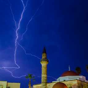 lightning night by George Papapostolou - City,  Street & Park  Night ( kos, lightning, nightshot, night, architecture, storm, nikon, island, city )