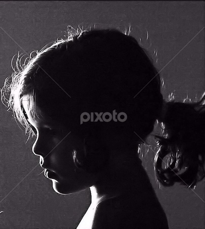 Backlight by Afonso Chaby Rosa - Black & White Portraits & People ( acy, retrato, portugal, contraluz, portrait )