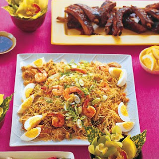 Rice Noodles with Chicken, Pork, and Shrimp.