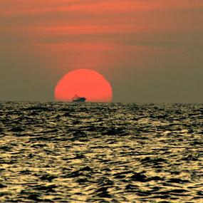 Sunset at Kanya Kumari by Abhishek Majumdar - Landscapes Sunsets & Sunrises