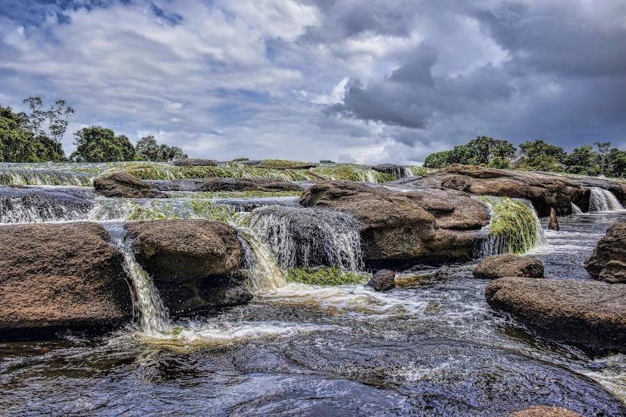 This is SU by Paulus Soegriemsingh - Landscapes Waterscapes (  )