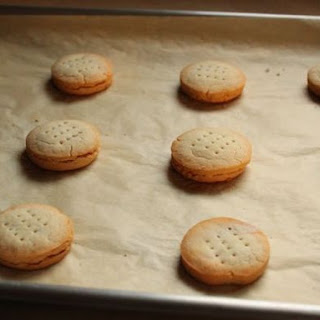 Gluten-Free Common Crackers