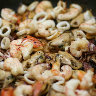 Spicy Lemon Seafood Paella