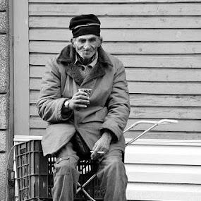 Cofee brake by Plamen Stavrev - Black & White Portraits & People