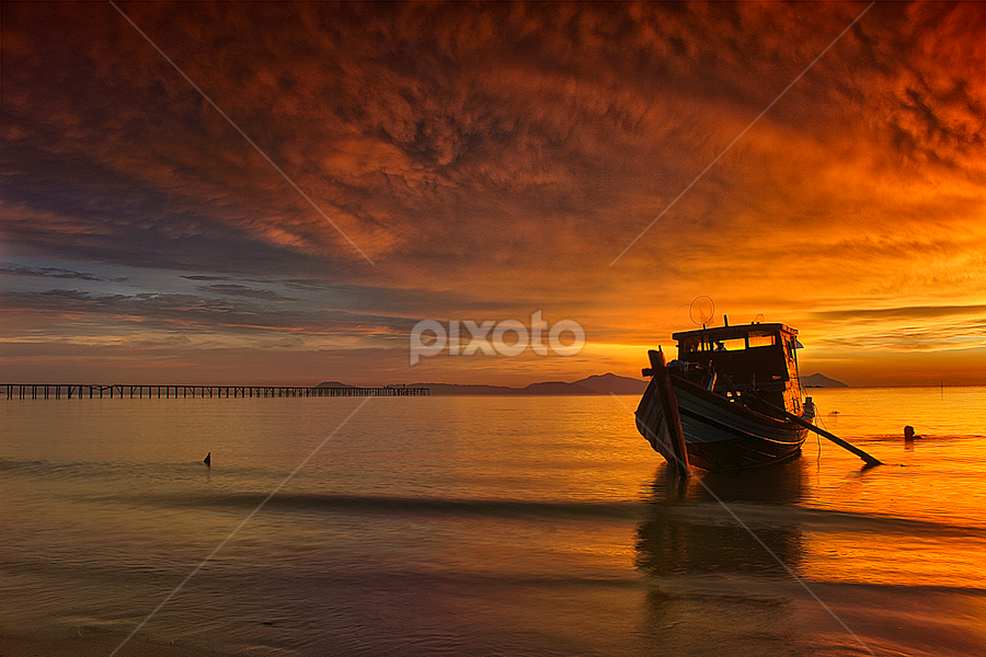 Bersandar by Dany Fachry - Landscapes Waterscapes ( beaches, west borneo, waterscape, seascapes, sunset, indonesia, landscapes )