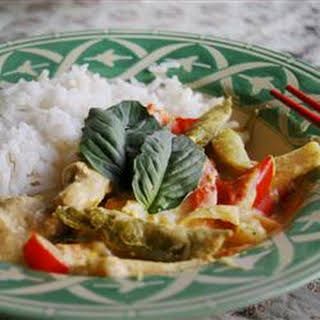 Kai Kang Dang (Chicken Curry with Coconut Milk).