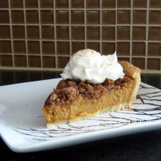 Pumpkin Pie with Graham Cracker Crumble