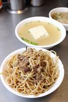 和平街40年老攤大腸湯炒麵