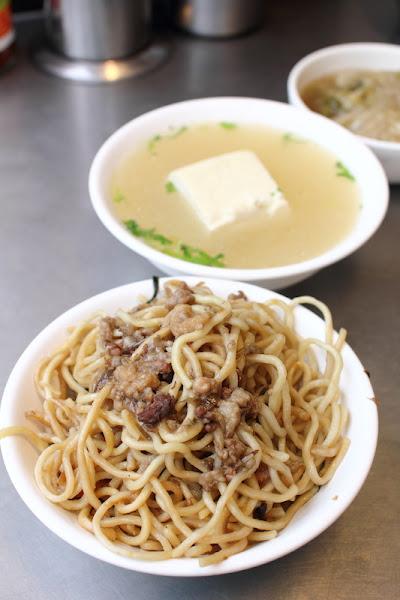 老攤炒麵大腸湯