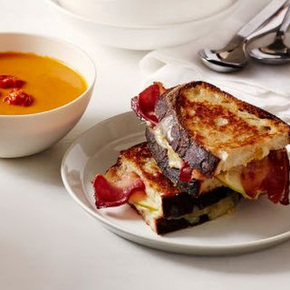 Grilled Cheese with Apple and Bacon.