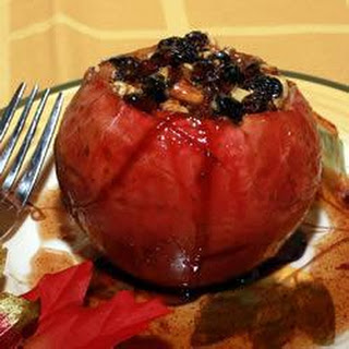Baked Apples with Hazelnuts and Raisins.