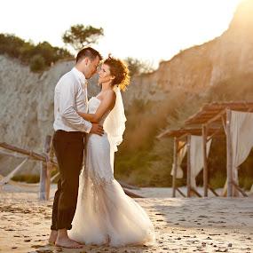 Andrei si Patricia by Ciprian Alin - Wedding Bride & Groom ( 5d mark ii, canon, f2.8, 70-200, iso 100, 1/125s, 70mm,  )
