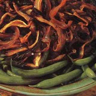 Gluten Free Thanksgiving – Green Beans with Balsamic Onions.