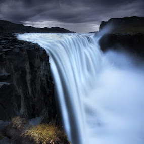 Resistance by José Ramos - Landscapes Waterscapes ( iceland, waterfall, long exposure, detifoss, nd filter )