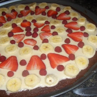 Banana Berry Brownie Pizza