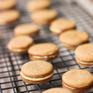 Gingersnap Oreos with Pumpkin Cream