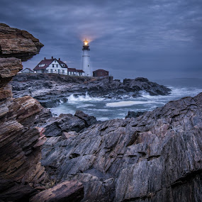 Beacon by Givanni Mikel - Buildings & Architecture Other Exteriors ( portland, lighthouse, sunrise, head, light,  )
