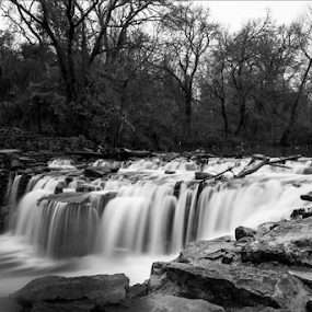 Milky Waters by Amitabh Mukherjee - Black & White Landscapes ( canon, water, black and white, waterfall, flow, motion blur,  )