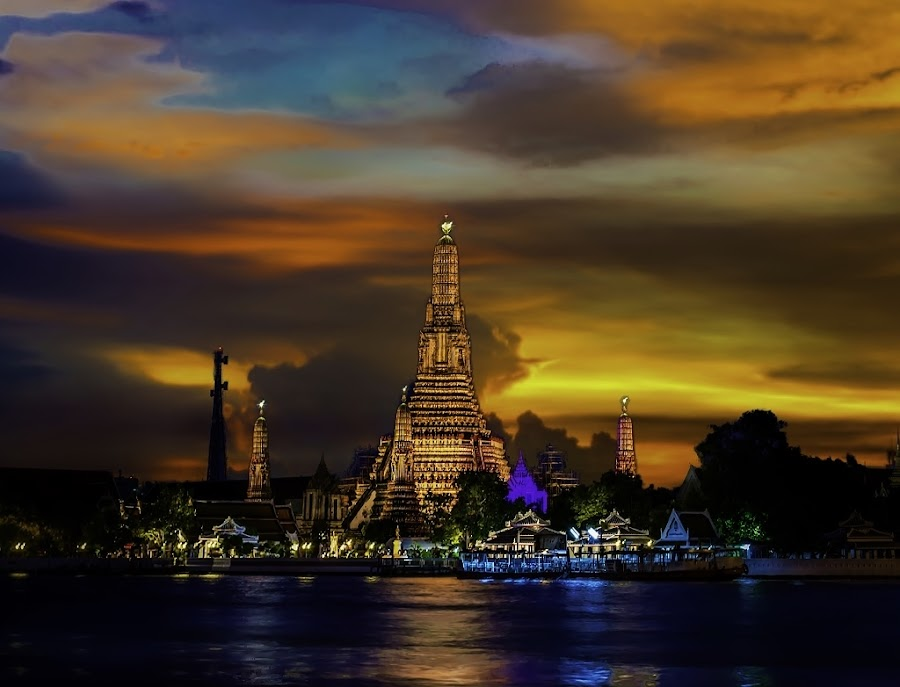 Temple of Dawn, Wat Arun by Simon Tidd - Buildings & Architecture Places of Worship ( bangkok, arun, temple, dawn, thailand, thai, wat )