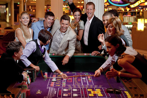 Celebrity_Solstice_casino - Are you a high roller? Check out the action in Celebrity Solstice's casino ... minus the actors.