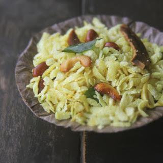 Poha Chivda (Indian Flattened Rice Snack).