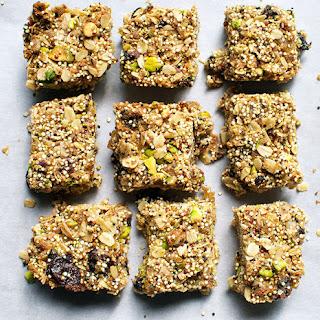 Quinoa-Pistachio Granola Bars