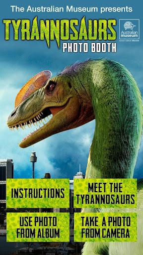 Tyrannosaurs Photo Bomb