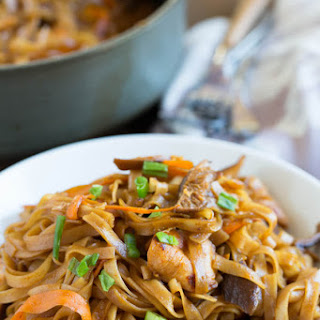 Thai Chicken Curry With Noodles Recipes.