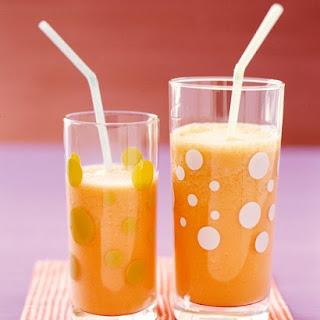 Mango-Carrot Smoothie.