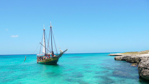 boat-sail-Aruba - One way to spend the day in Aruba is by water on a sailing tour of the island.