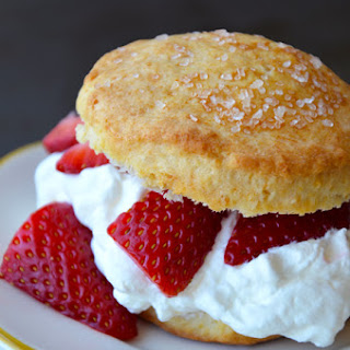 Easy Strawberry Shortcake with Whipped Cream Recipe