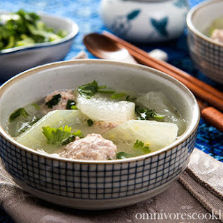 Winter Melon Meatball Soup (冬瓜丸子汤)