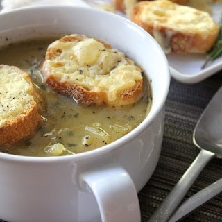 Vegetarian French Onion Soup (vegan optional)