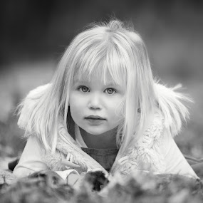 Christmas Sessions by Dominic Lemoine Photography - Black & White Portraits & People